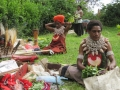 paiya_women_prepare_for_sing-sing_1